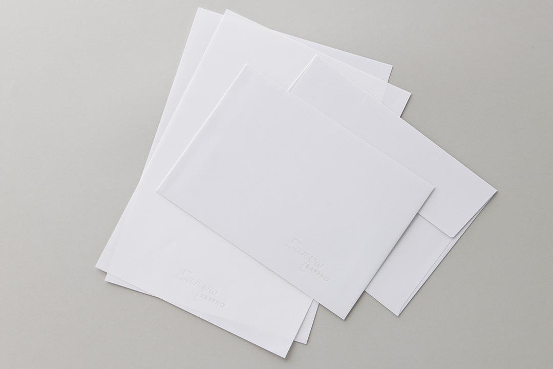 封筒の色:ライトグレーinホワイト封筒<br>箔:パール箔