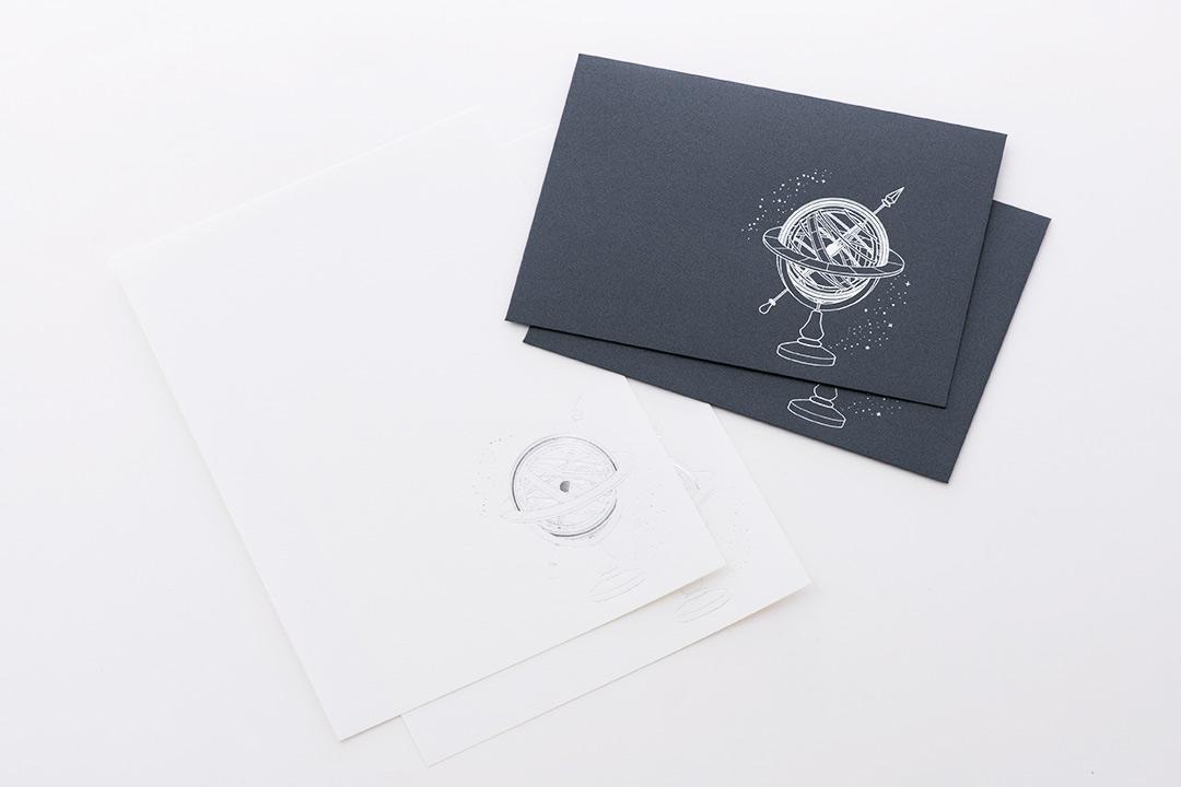 封筒の色:パールミッドナイトブルー<br>箔:メタリック銀箔
