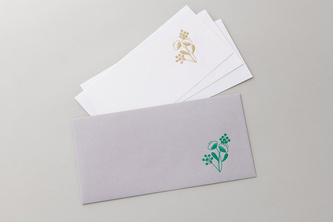 封筒の色:ライナーグレー封筒<br>箔:つや消し青金108・シルキーエメラルド箔