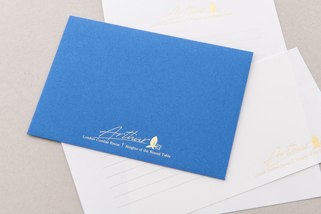 封筒の色:ぐんじょう<br>箔:つや消し金箔111