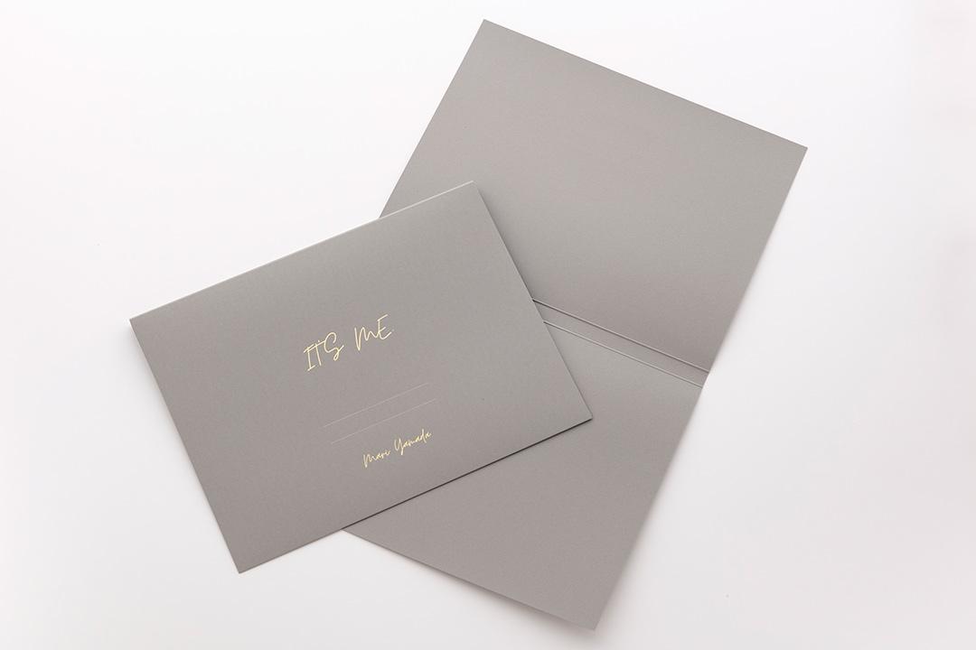 紙:A4サイズ 背幅15mm グレー<br>箔:つや消し青金箔108