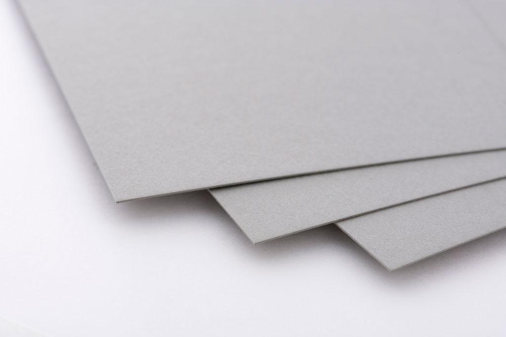 紙の製造時期における色の違いについて