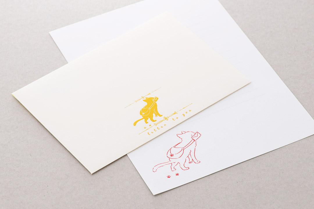 封筒の色:ネオンイエローinホワイト<br>箔:シルキーパイン箔・シルキールージュ箔